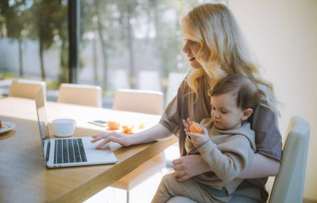 Parenting While Working: Tips for When You're Working with a Baby