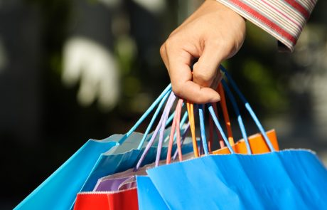 The Four-Point Holiday and Gift-Giving Checklist for Thrifty Shoppers