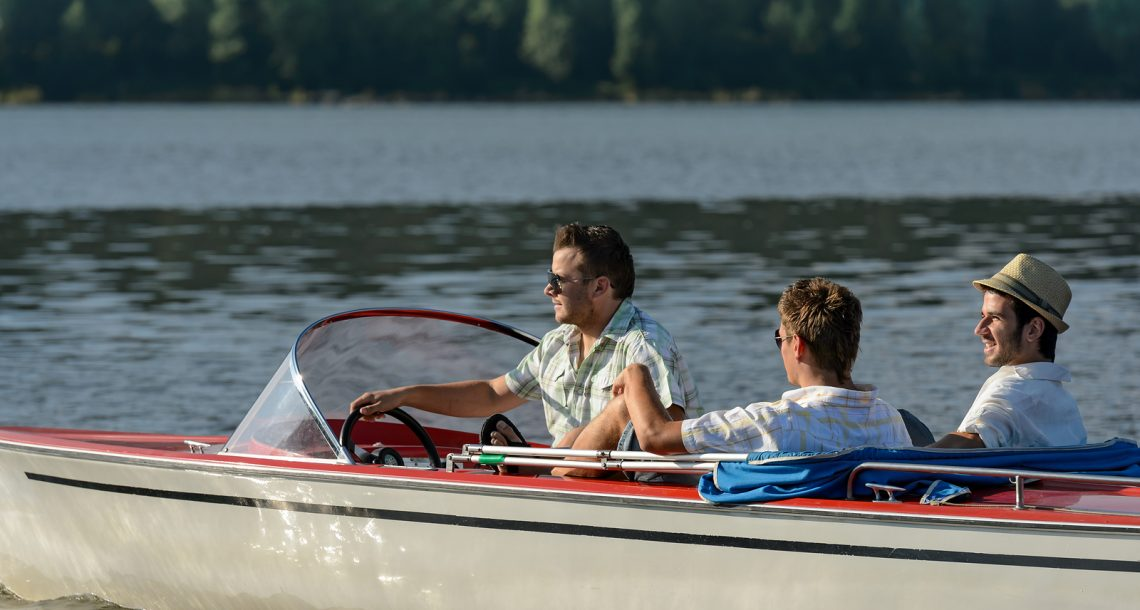 How to Buy Boat Parts Online This Summer