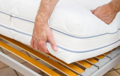 How to Buy a Mattress Online: 5 Easy Tips for Getting the Best Bed for Your Buck